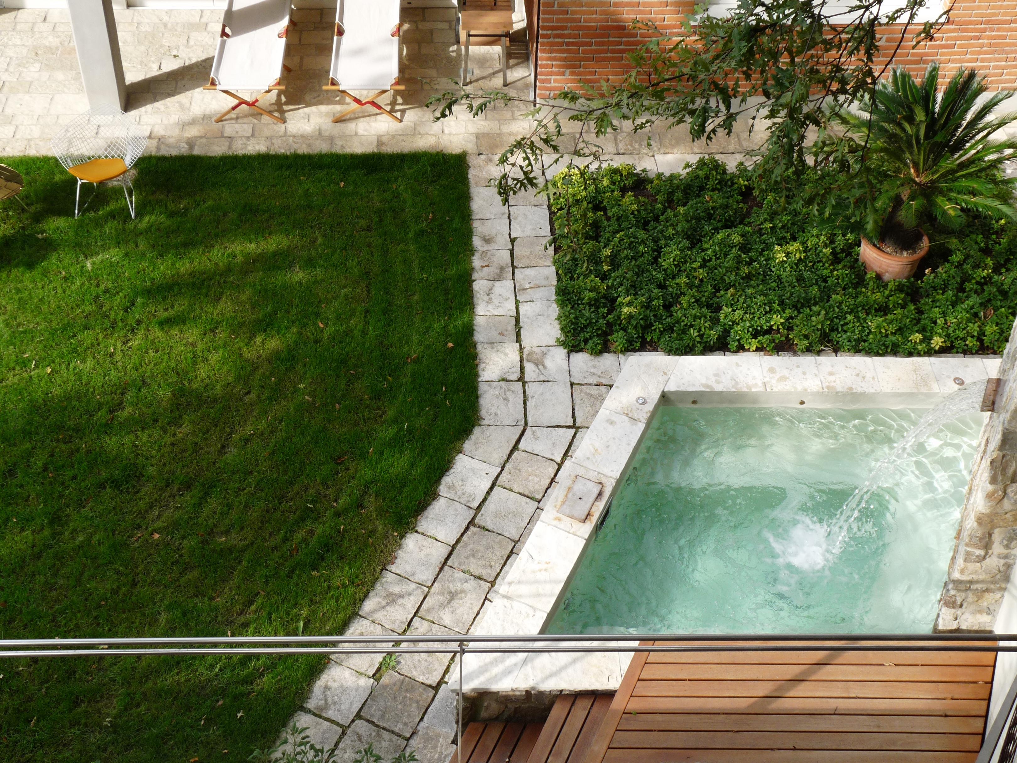 Realizzazione Giardini Moderni : Progettazione e realizzazione giardini di lusso frullani group