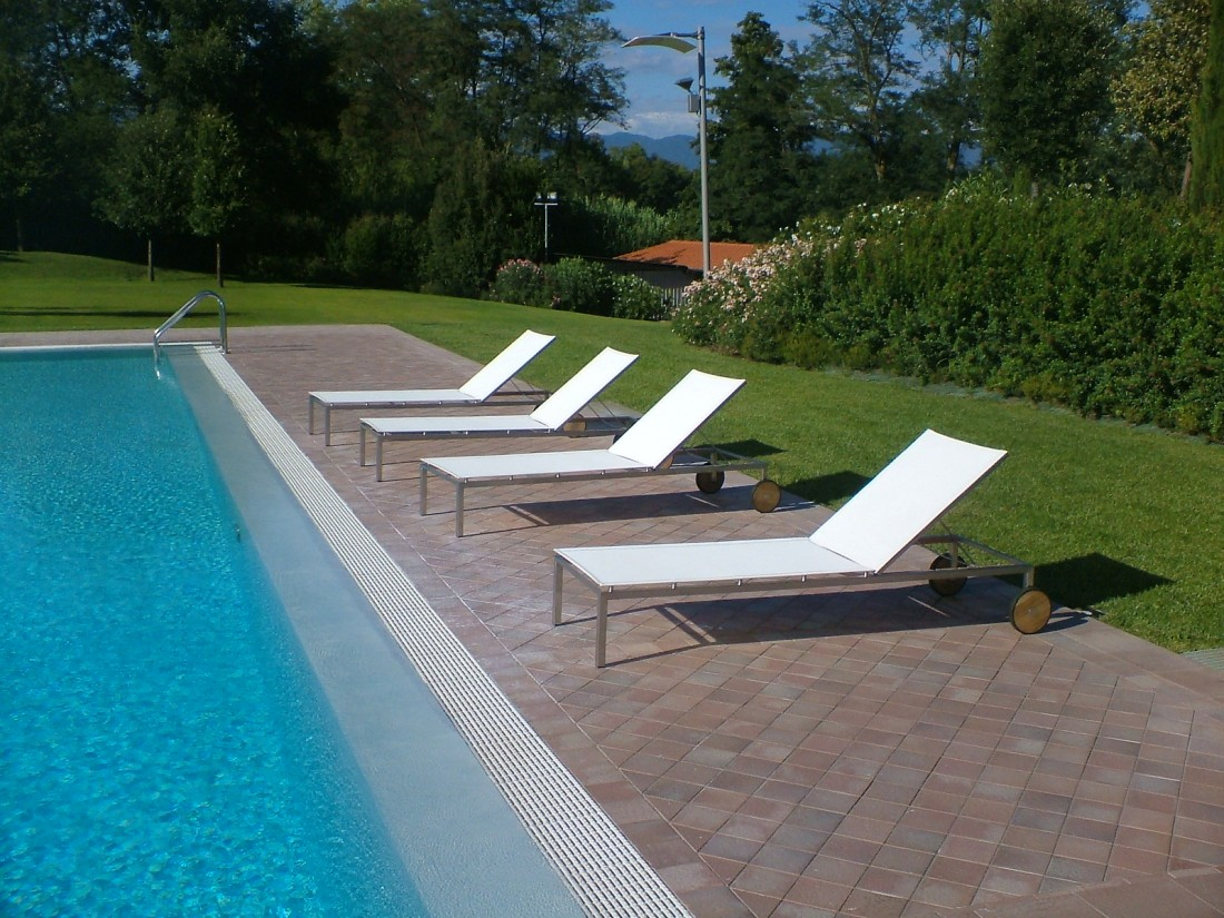 giardino con piscina a Siena 2