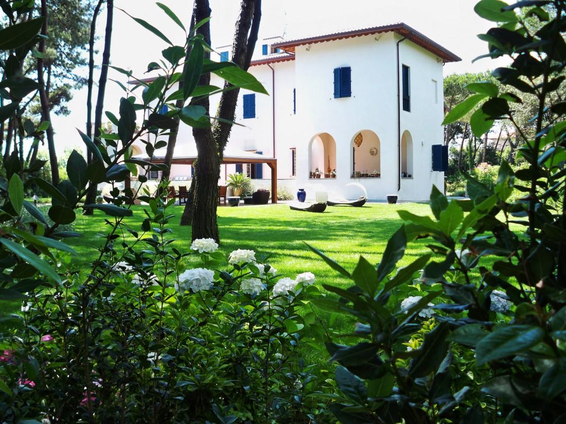 giardino in Versilia 1